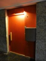 Marsiglia, La Cité radieuse, la porta colorata di un appartamento