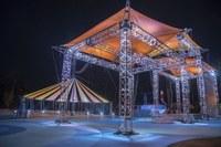 Il tendone del Cirque du Soleil al Club Med di sera © Michel JULIEN