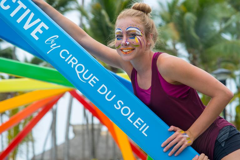 L'arte del mask painting alla scuola del Cirque du Soleil © Michel JULIEN