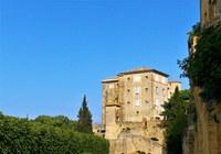 Lauris, Couleur Garance, il castello