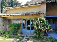 Le Barroux, ingresso della casa di Marie Sherrer