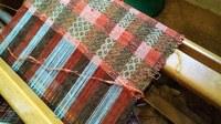 Le Barroux, lavori in corso nell'atélier di tessitura