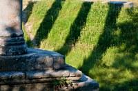 Via Domizia, l'ombra delle colonne a Riez-la-Romaine © ADT04