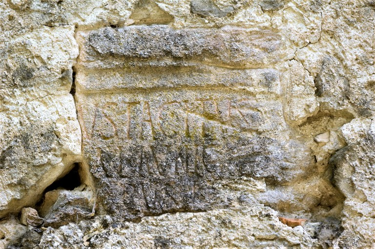 Via Domizia, Lurs, Notre Dame des Anges, Iscrizione © ADT04 M. Boutin