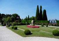 Saint-Jean-Cap-Ferrat, Villa Ephrussi de Rotschild, aiuola con fiori