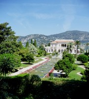 Saint-Jean-Cap-Ferrat, Villa Ephrussi de Rotschild e il giardino antistante