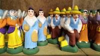 Mas de la Crémade, i santons in file ordinate