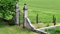 Bastide de l'Adrech, il cancello di ingresso