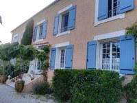 Hotel Canto Cigalo - Le tipiche imposte azzurre provenzali