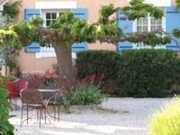 Hotel Canto Cigalo - Un angolo del giardino