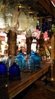 La malle des Indes, lampade e campane di vetro