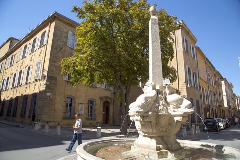 Aix-en-Provence, Place des 4 Dauphins © Sophie Spiteri