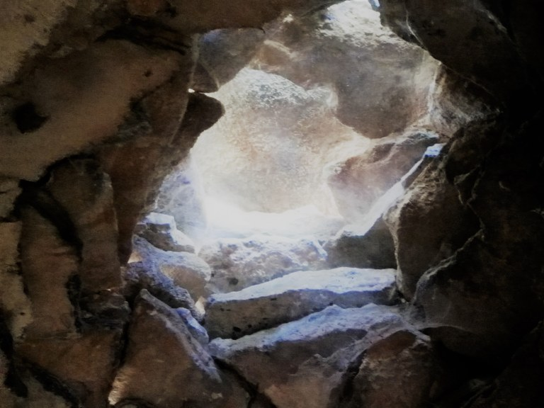 Bonnieux, Enclos des Bories, interno di pietre
