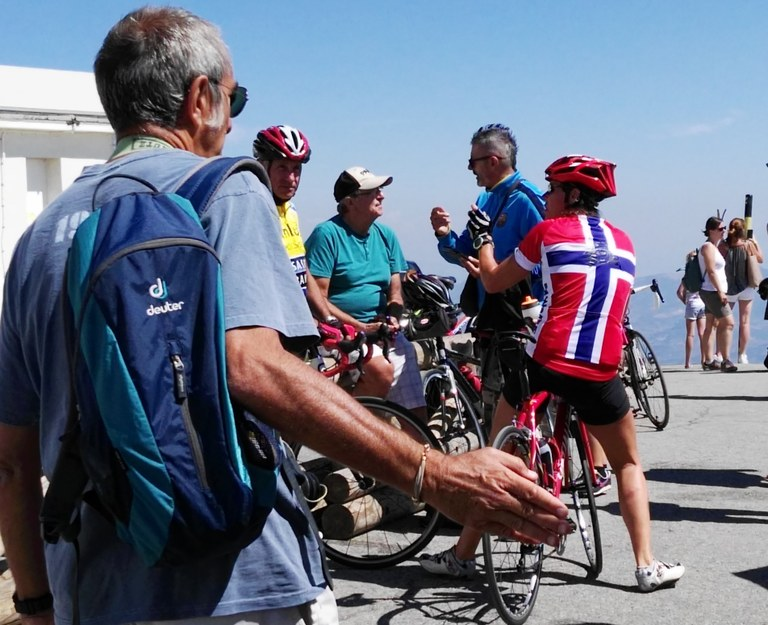 Ciclisti sulla cima del Mont Ventoux