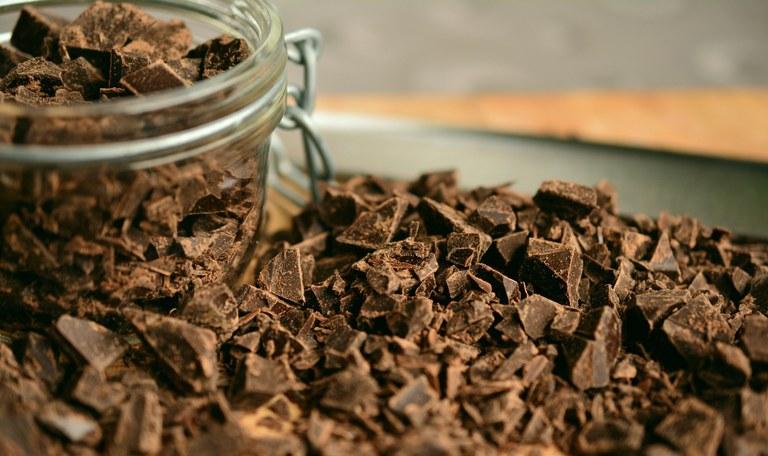 Cioccolato fondente, una delle materie prime delle papalines