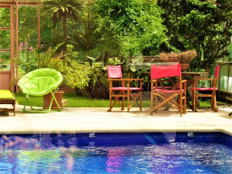 Distilleria Les Agnels - La piscina con l'acqua profumata di lavanda