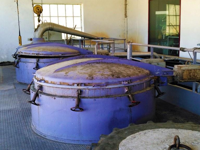 Distilleria Les Agnels - Le vecchie caldaie per la lavanda