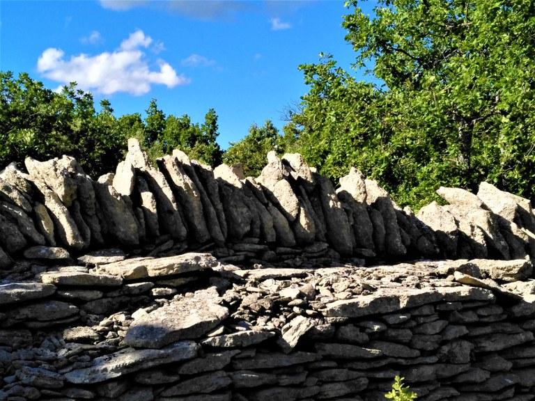 Enclos des Bories, Bonnieux - Il muro di cinta