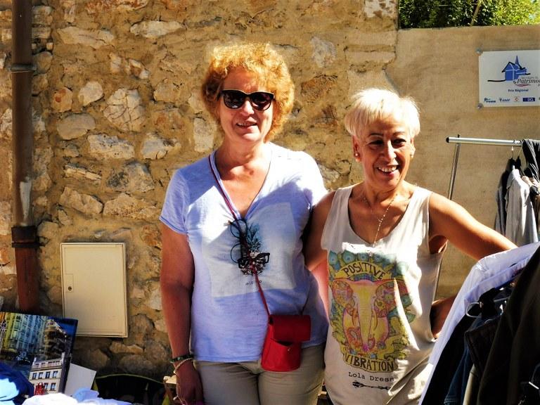 Eygalières, Marie France Gautier e Sonia Giraud hanno svuotato le loro soffitte