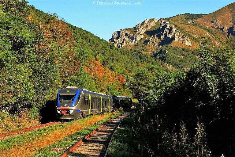 Ferrovia Cuneo-Ventimiglia-Nizza, stagione del foliage © Federico Santagati