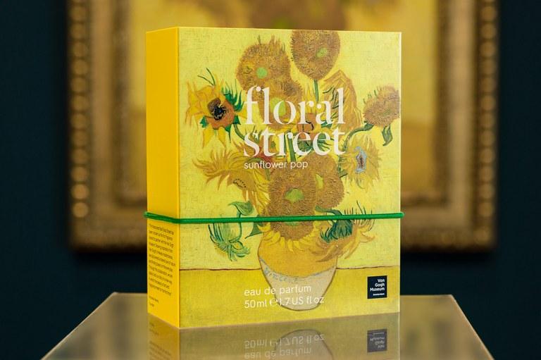 Floral Street x Van Gogh Museum Sunflower Pop © Franck_Nederstigt
