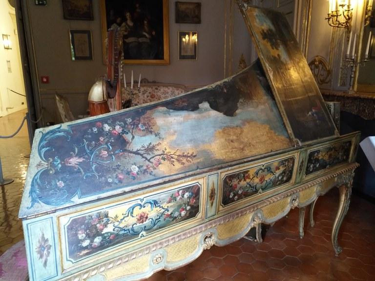 Hôtel de Caumont - Il clavicembalo nella sala da musica
