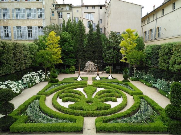 Hôtel de Caumont - Il giardino alla francese