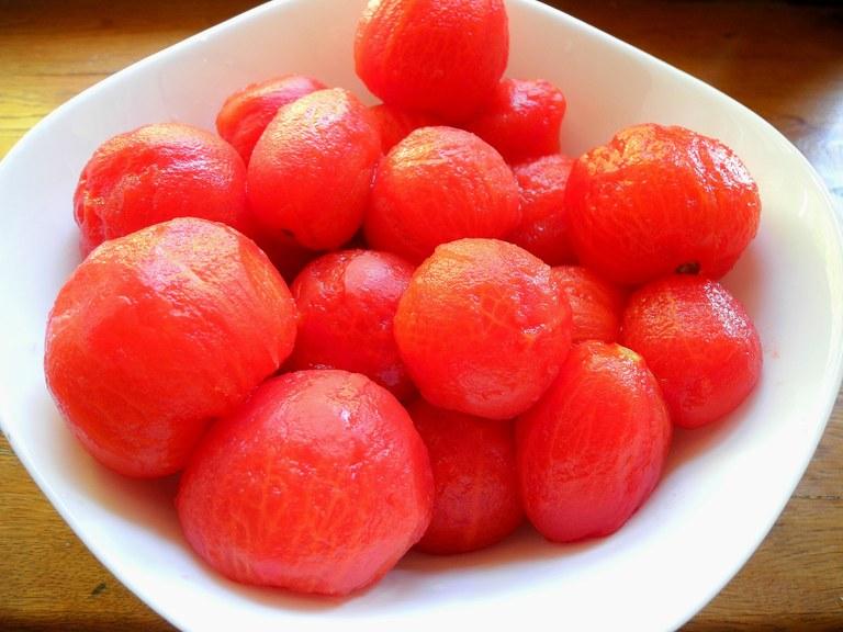 I pomodori privati della buccia