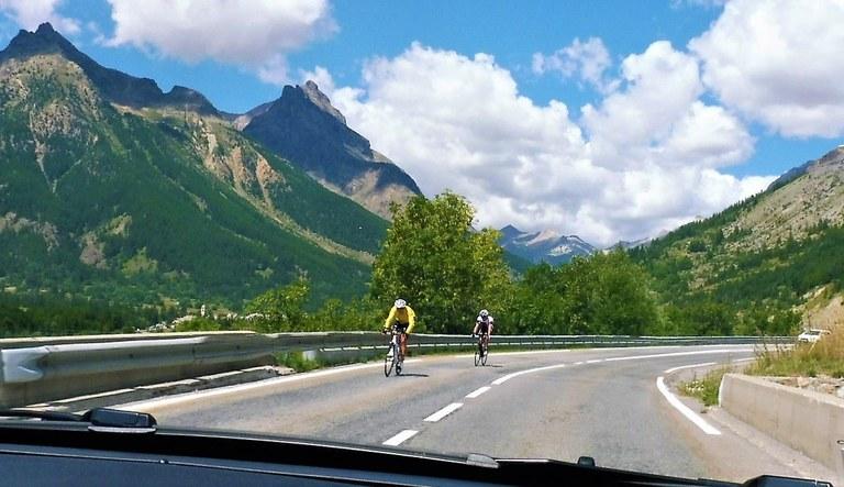 In auto dall'Italia verso Briançon