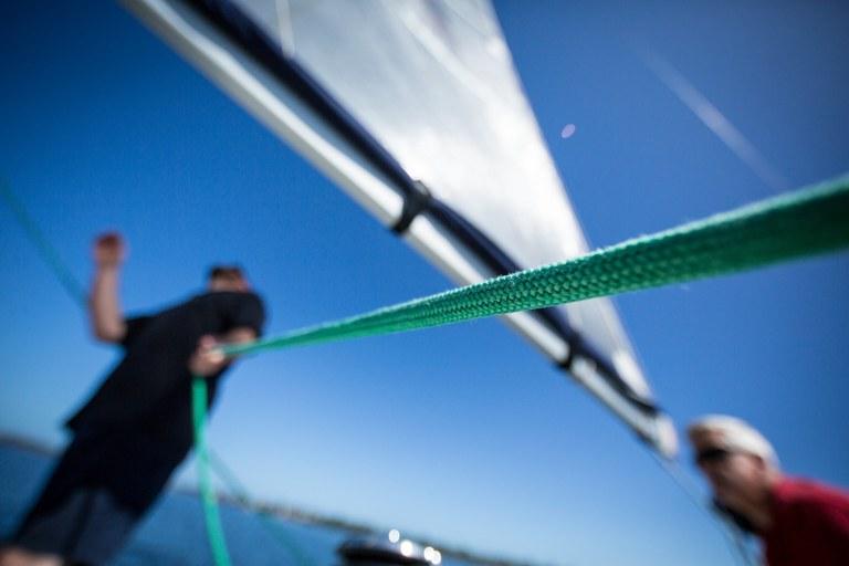 In barca a vela, meglio affidarsi a uno skipper esperto