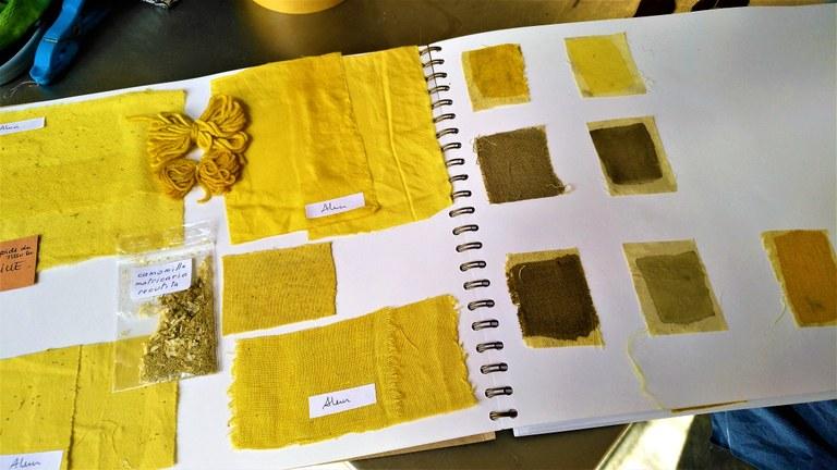Lauris, Couleur Garance, album dei colori - giallo