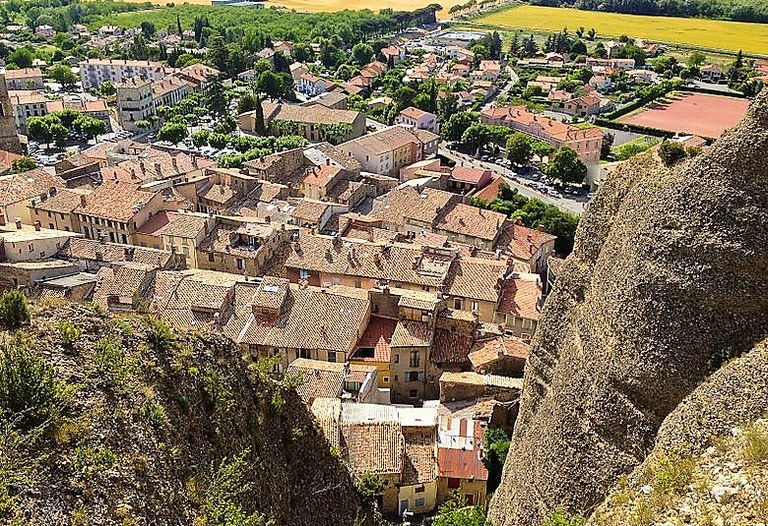 Les Mées, il villaggio