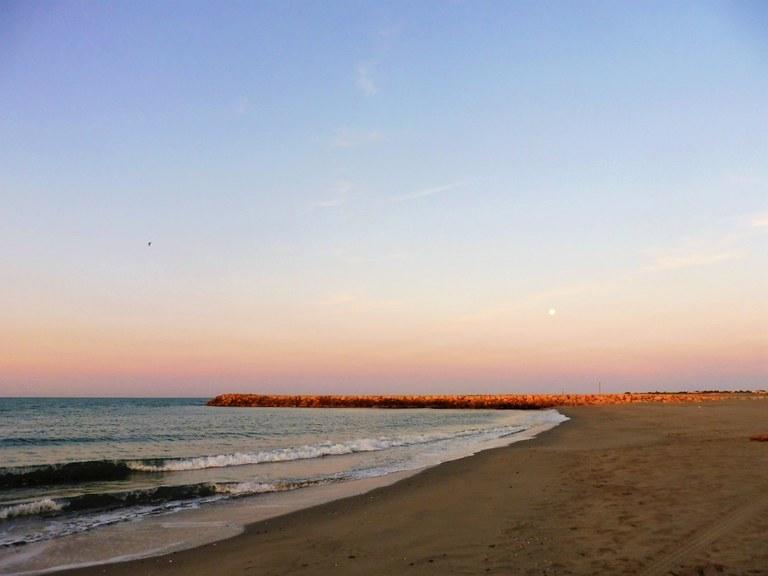 Les Santes-Maries-de-la-Mer, mare all'alba