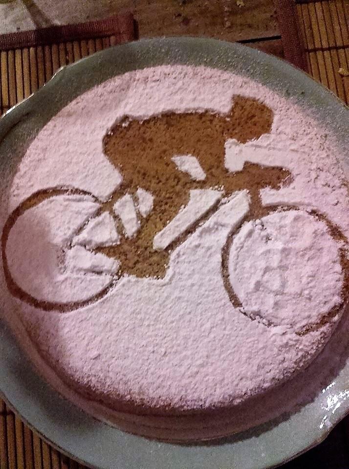 Li Poulidetto - Il dolce benvenuto di Pascal ai ciclisti