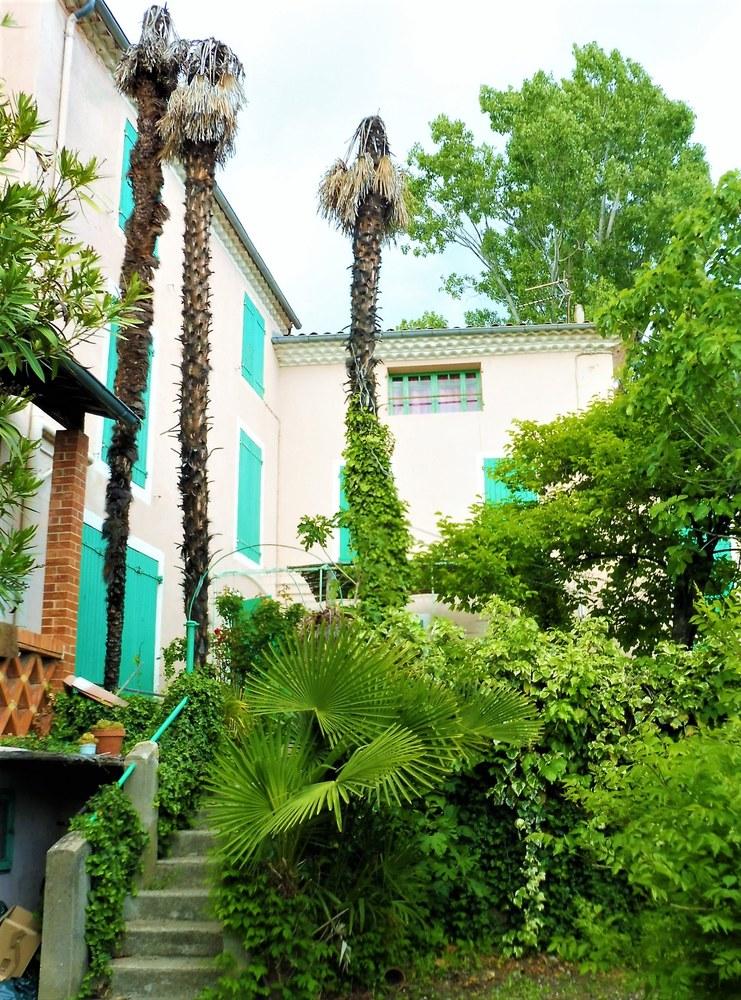 Manosque, Lou Paraïs, la vista dal giardino