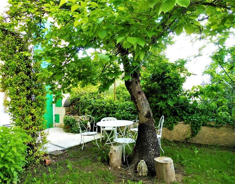Manosque, Lou Paraïs, un angolo del giardino