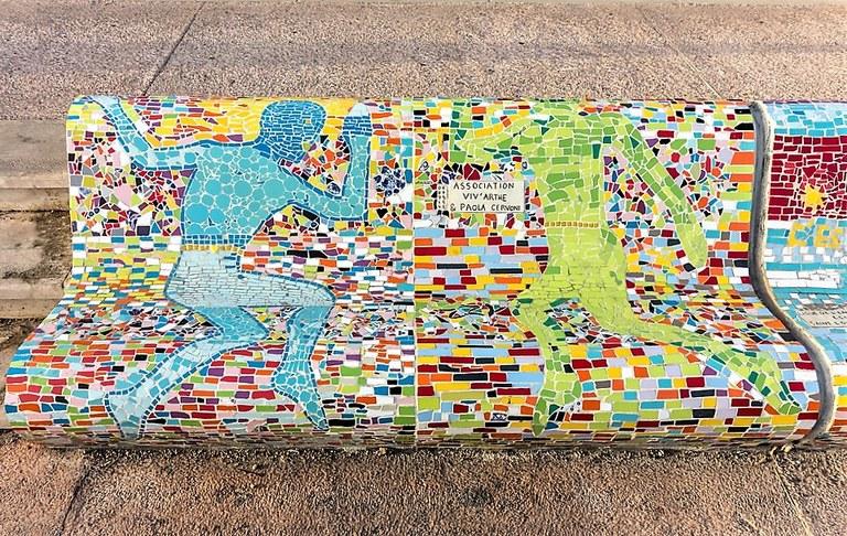 Marsiglia, Corniche Kennedy, la panchina decorata a mosaico