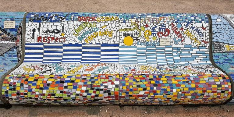 Marsiglia, Corniche Kennedy, la panchina mosaicata