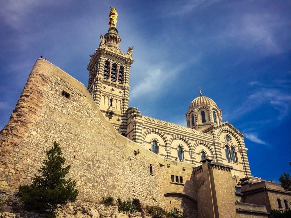 Marsiglia, la mole di Notre Dame de la Garde - Foto © N. Aldrovandi OTC Marseille