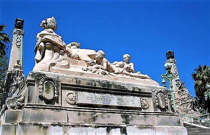 Marsiglia, la statua delle Colonie d'Asia lungo la scalinata della Gare Saint-Charles