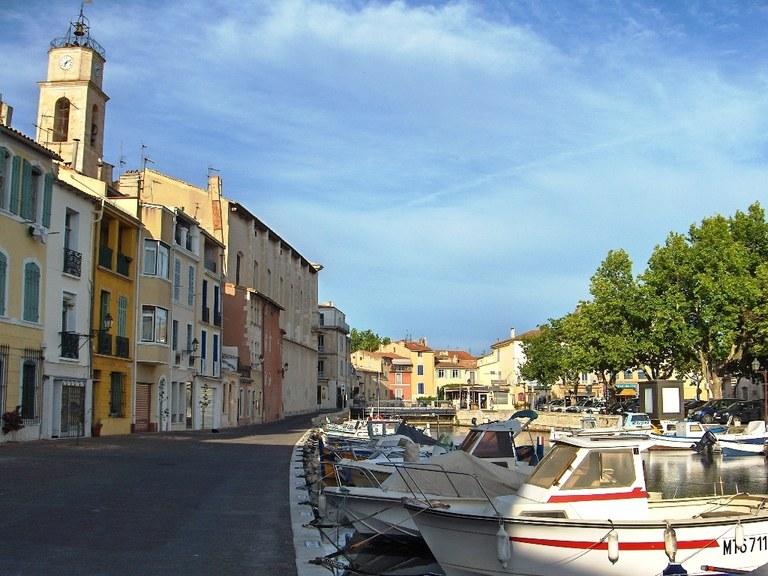 Martigues, Sainte-Madeleine, quai Marceau e canal Saint-Sébastien - Immagine di Airair - Wikimedia Commons
