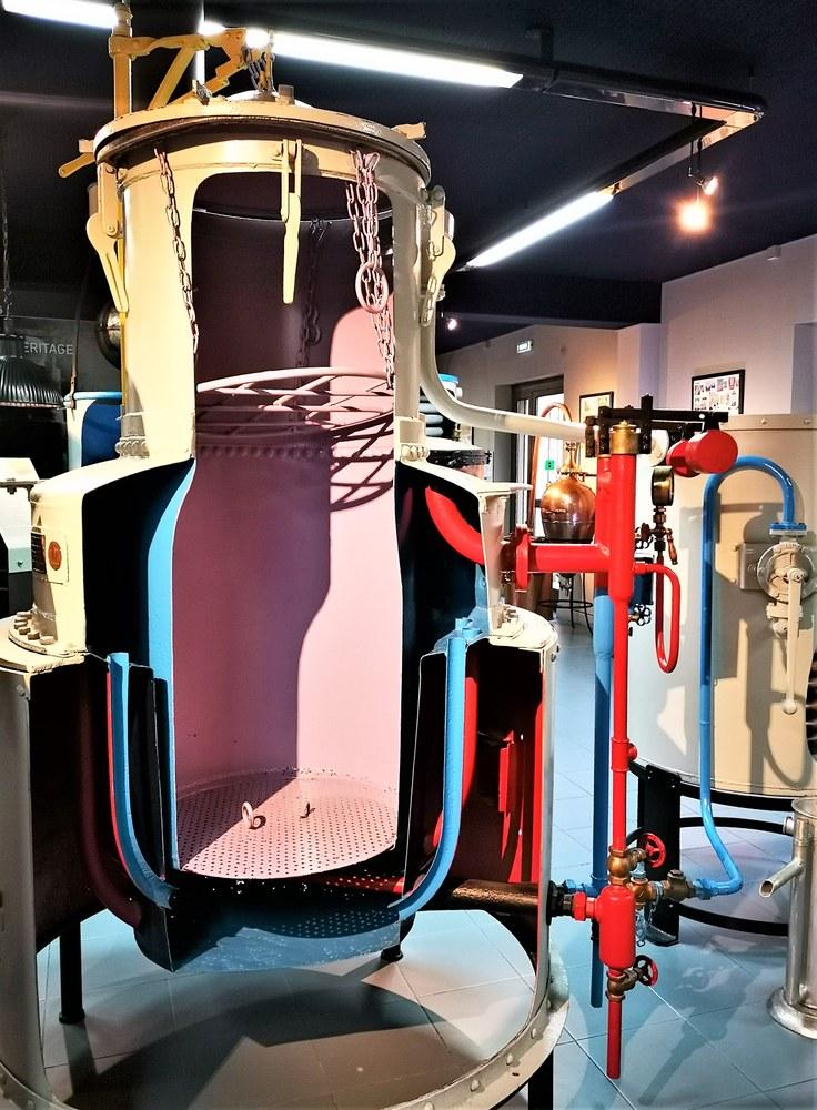 Musée de la Lavande, l'interno di un distillatore