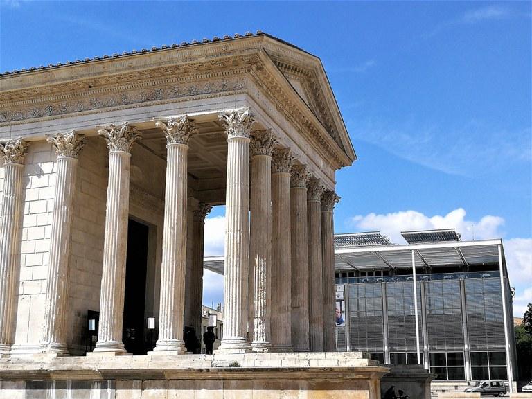 Nîmes, la Maison Carrée e il Carré d'Art