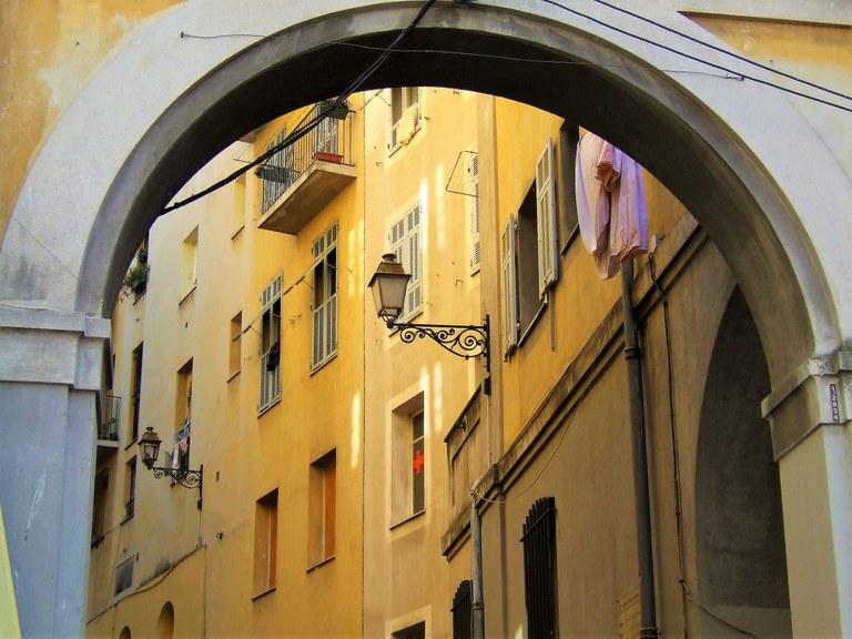 Nizza, tra le vie della città vecchia