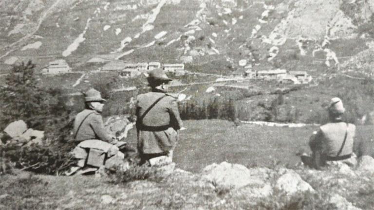 Osservatorio del comando in direzione di Combe Brémont - Dal volume Histoires vécues en Ubaye