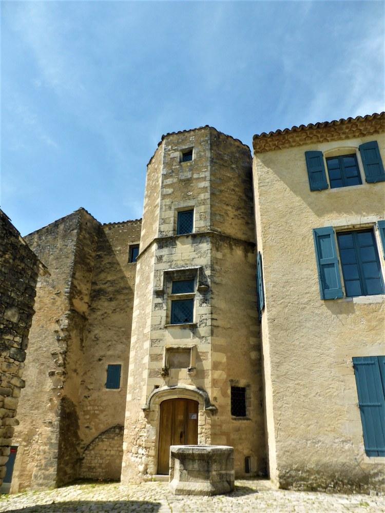 Priorato di Salagon, la torre ottagonale