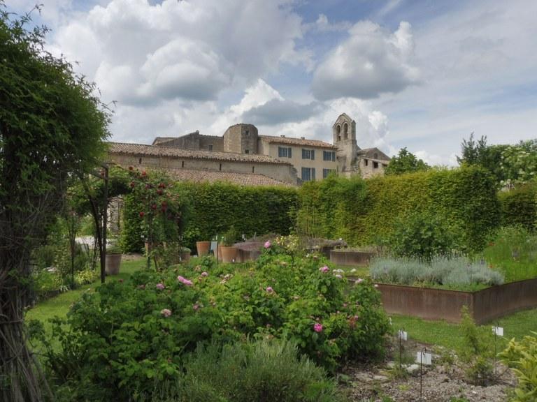 Priorato di Salagon, vista dai giardini