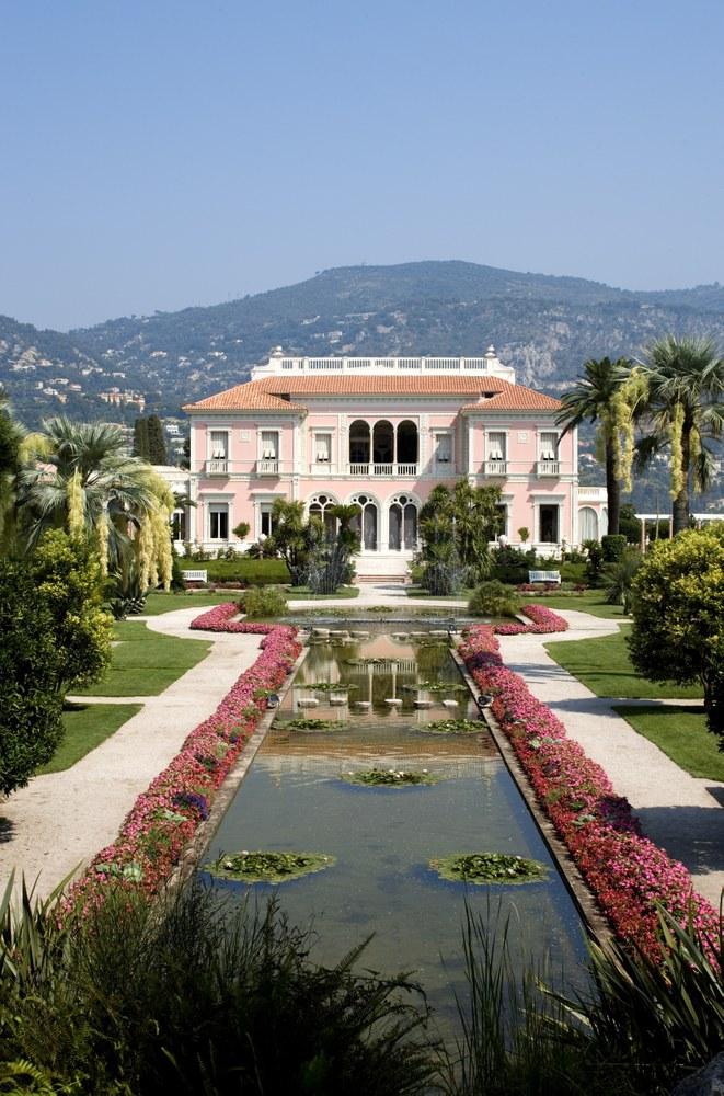 Saint Jean Cap Ferrat, Villa Ephrussi, giardino francese e facciata © OTM Nice Côte d'Azur