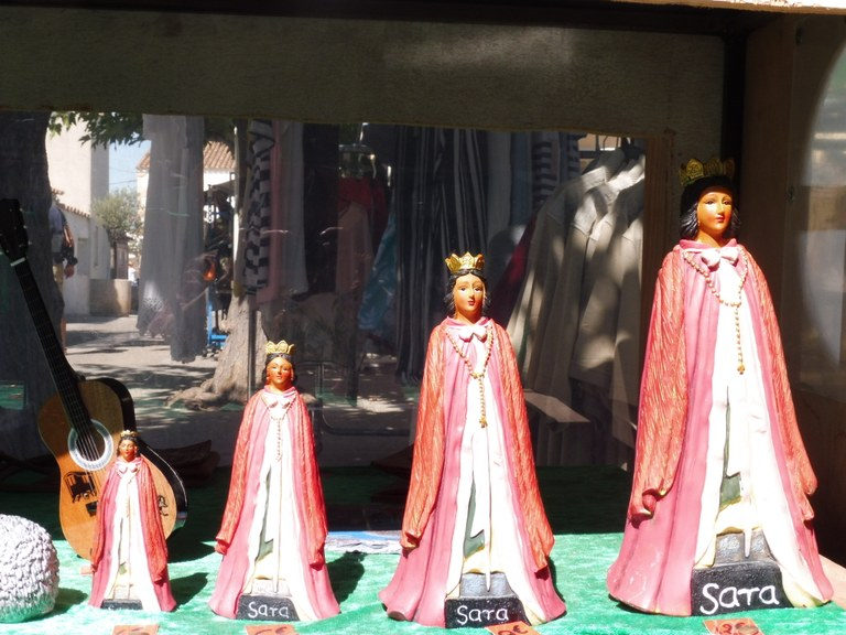 Saintes Maries de la Mer, statuine di Santa Sara, protettrice dei gitani - Foto: redazione
