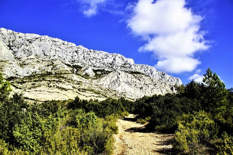 Sentiero sulla montagne Sainte-Victoire